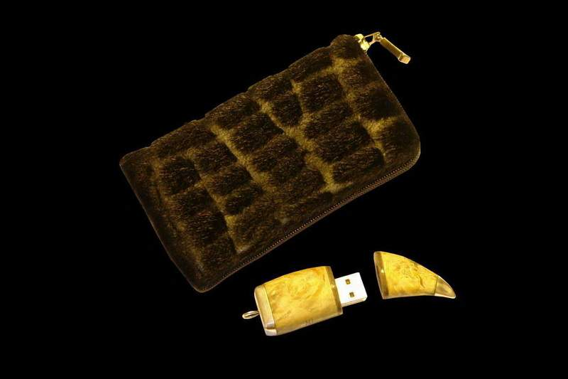 MJ - Mobile Case from Luxury FUR (Pony, Mink, Silver Fox, Polar Fox, Lama, Wolf...) Plus USB Flash Drive Wood Edition (Karellian Birch)